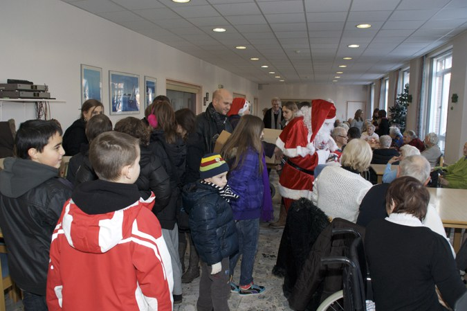 Visite du père Noël dans les maisons de repos